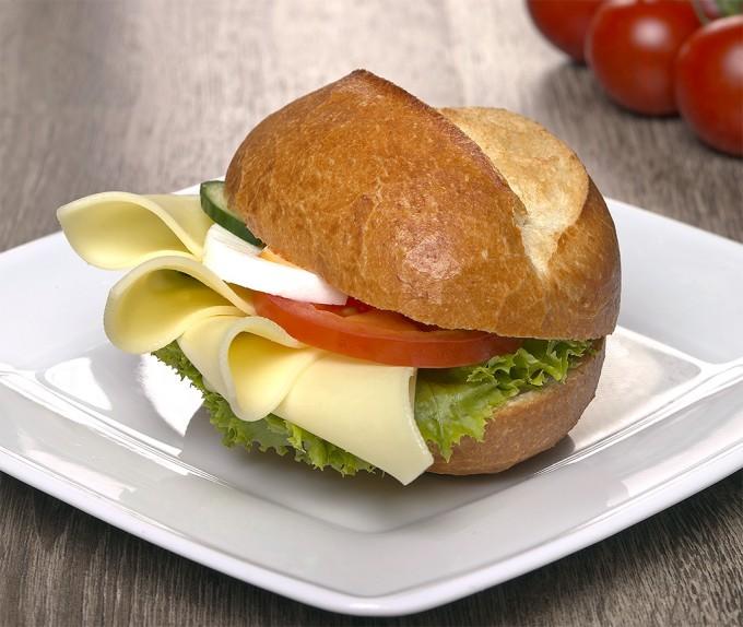 Broetchen-mit-Goudakaese